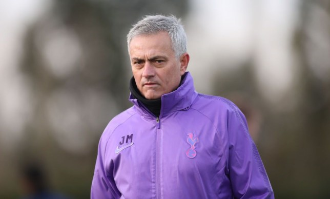 Jose Mourinho ได้ออกมาให้สัมภาษ์ณกับนักข่าวเรียกได้ว่ายังคงสไตล์การสัมภาษณ์ไว้ได้ดีเหมือนเดิม สำหรับ Jose Mourinho ผู้จัดการทีมคนใหม่ของ ท็อตแน่ม ฮ็อทสเปอร์