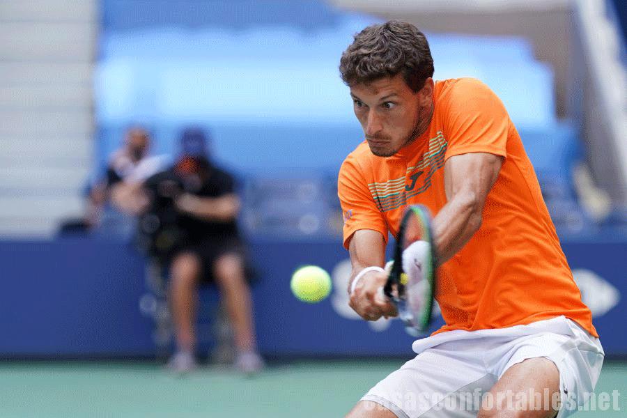 Novak Djokovic นักเทนิสหมายเลขหนึ่งของโลกสามารถเอาชนะปาโบลคาร์เรโนบุสตาและเข้าถึงรอบรองชนะเลิสเฟรนช์โอเพ่น ได้สำเร็จ Novak Djokovic