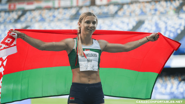 Belarus Olympian Krystsina Tsimanouskaya นักกีฬาโอลิมปิกชาวเบลารุสกล่าวว่าเธอได้แสดงคำร้องขอความช่วยเหลือทางโทรศัพท์กับตำรวจใน